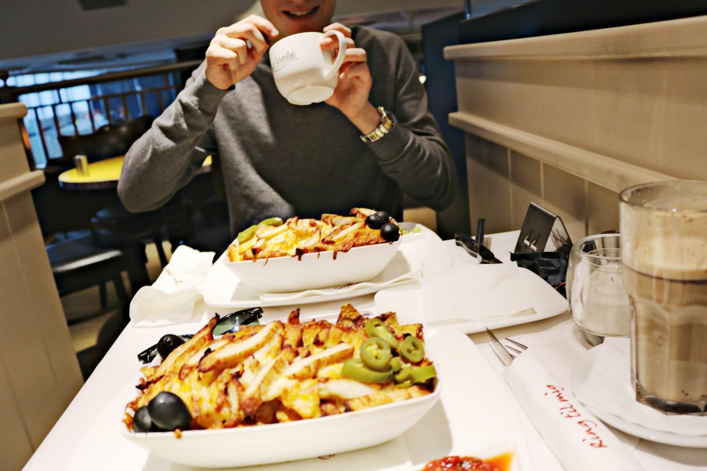 cafe vivaldi nachos