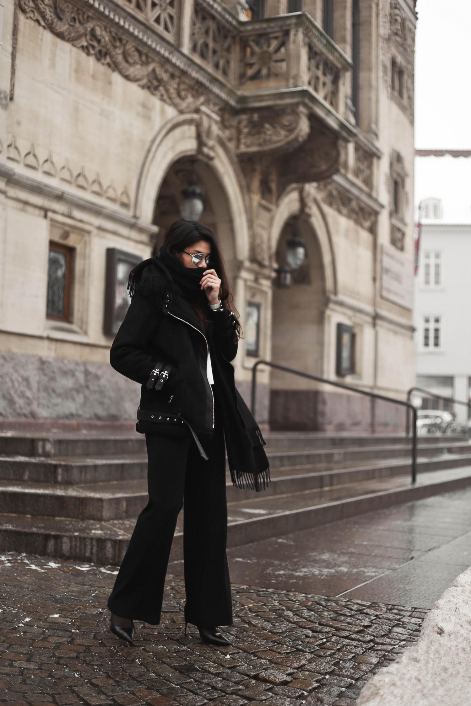 shearling coat-27, shearling coat, gina tricot, hoss pants, pumps, zara pumps, pointy heels, shearling coat outfit, shearling coat style, all black outfit, tailored pants, wide pants outfit, mowoblog, mowo blog, celine trio bag outfit, black on black outfit, winter outfit, danish fashion blogger, fashion blogger, blogger, blogger europe, blog, fashion blog, style blog, danish, scandinavian style