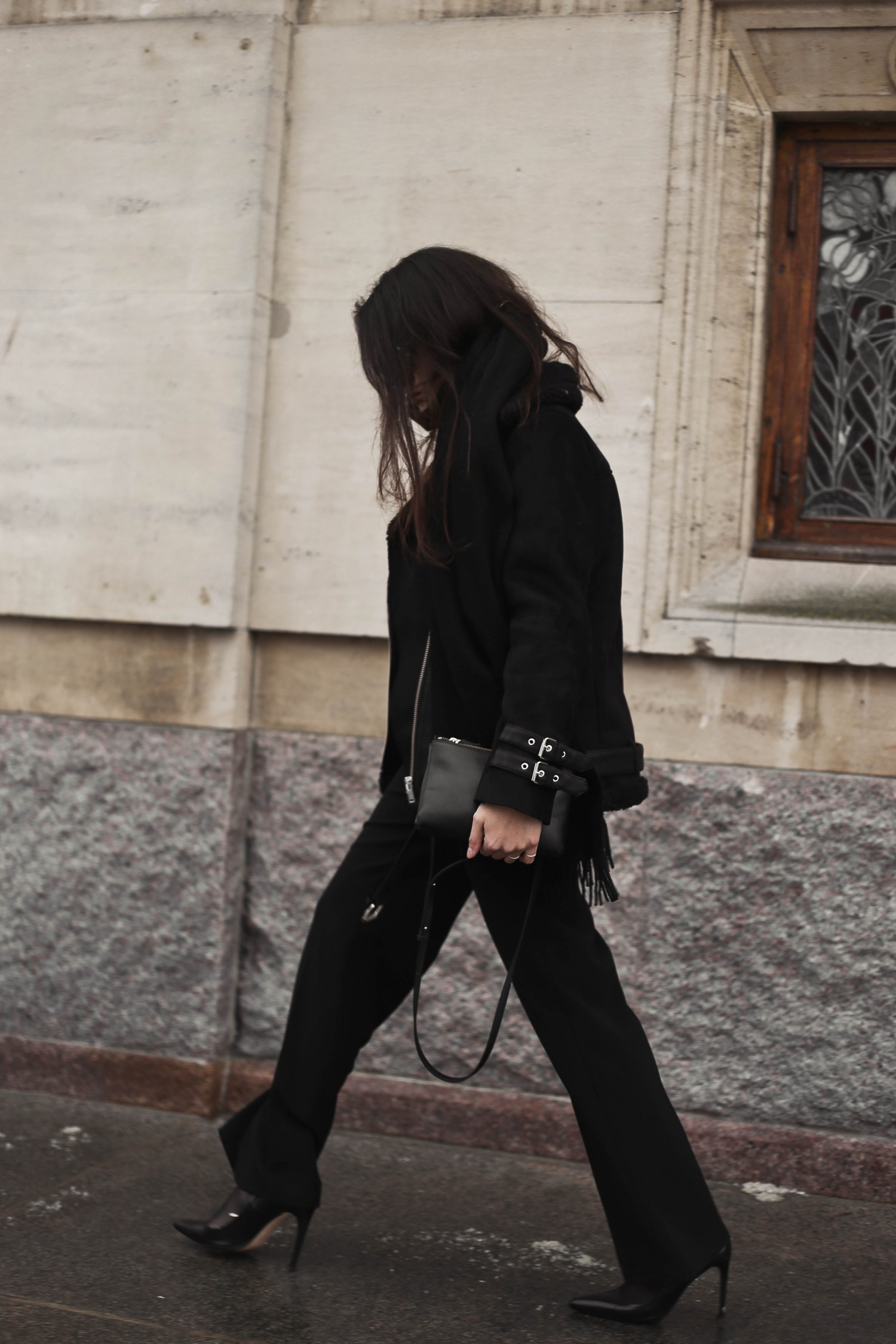 shearling coat-38, shearling coat, gina tricot, hoss pants, pumps, zara pumps, pointy heels, shearling coat outfit, shearling coat style, all black outfit, tailored pants, wide pants outfit, mowoblog, mowo blog, celine trio bag outfit, black on black outfit, winter outfit, danish fashion blogger, fashion blogger, blogger, blogger europe, blog, fashion blog, style blog, danish, scandinavian style