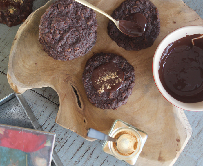 Chokolade-cookies med Corn Flakes
