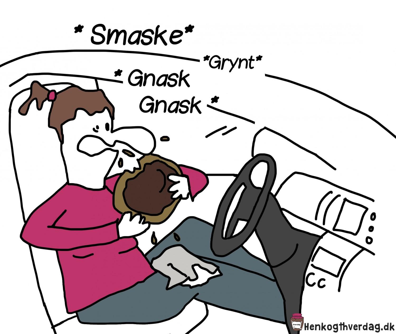 Spiser kage i bil
