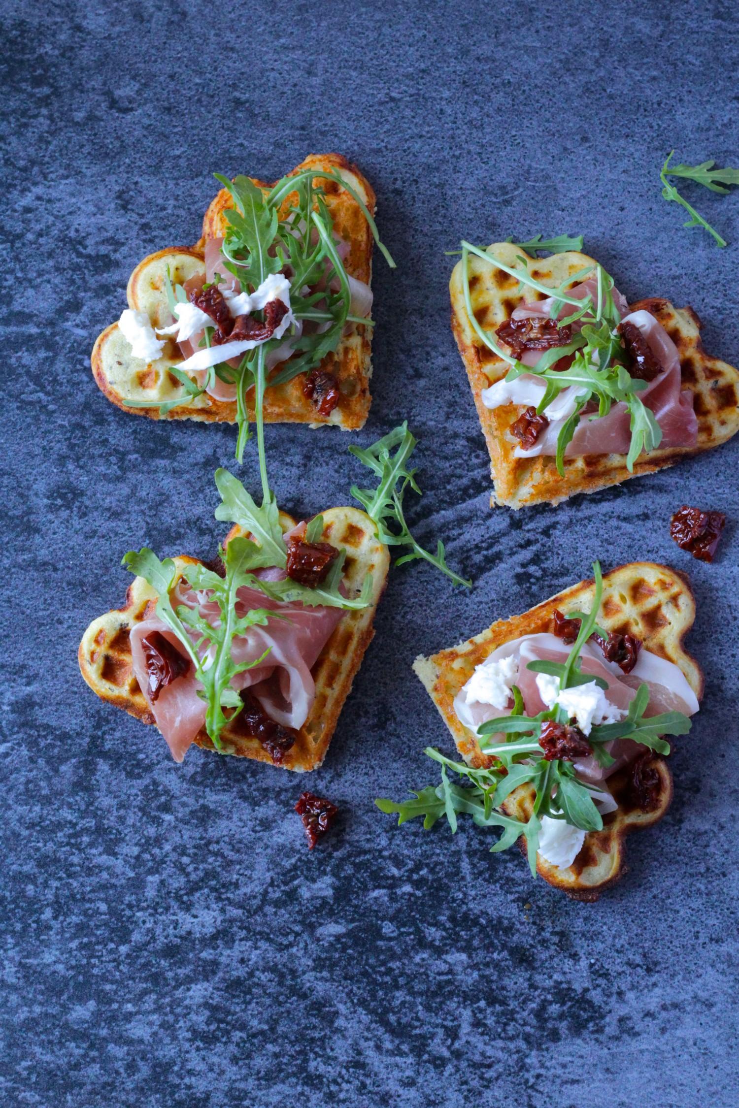 Pizzavafler med krystalost og mozzarella