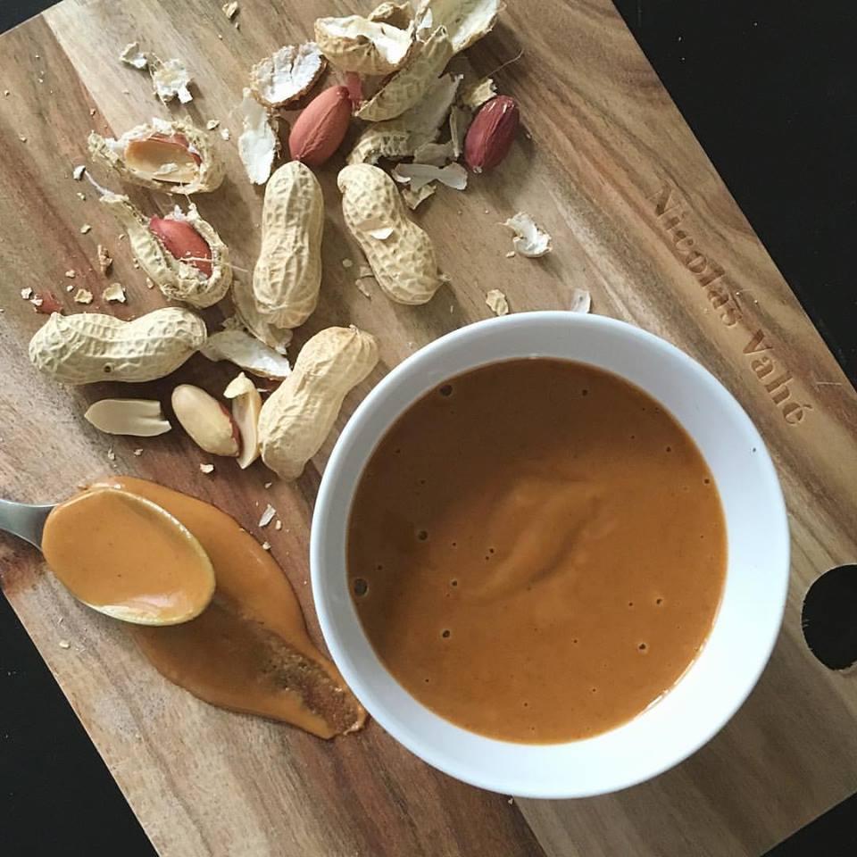 Lav din egen peanutbutter !