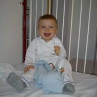 Miko 10 måneder gammel på Holbæk sygehus, klar til første gang i narkose