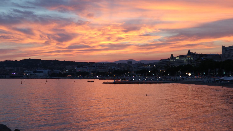 Solnedgang over Boulevard de la Croisette. Ferie i Cannes