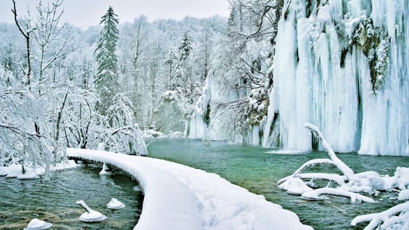 plitvice-lakes-winter