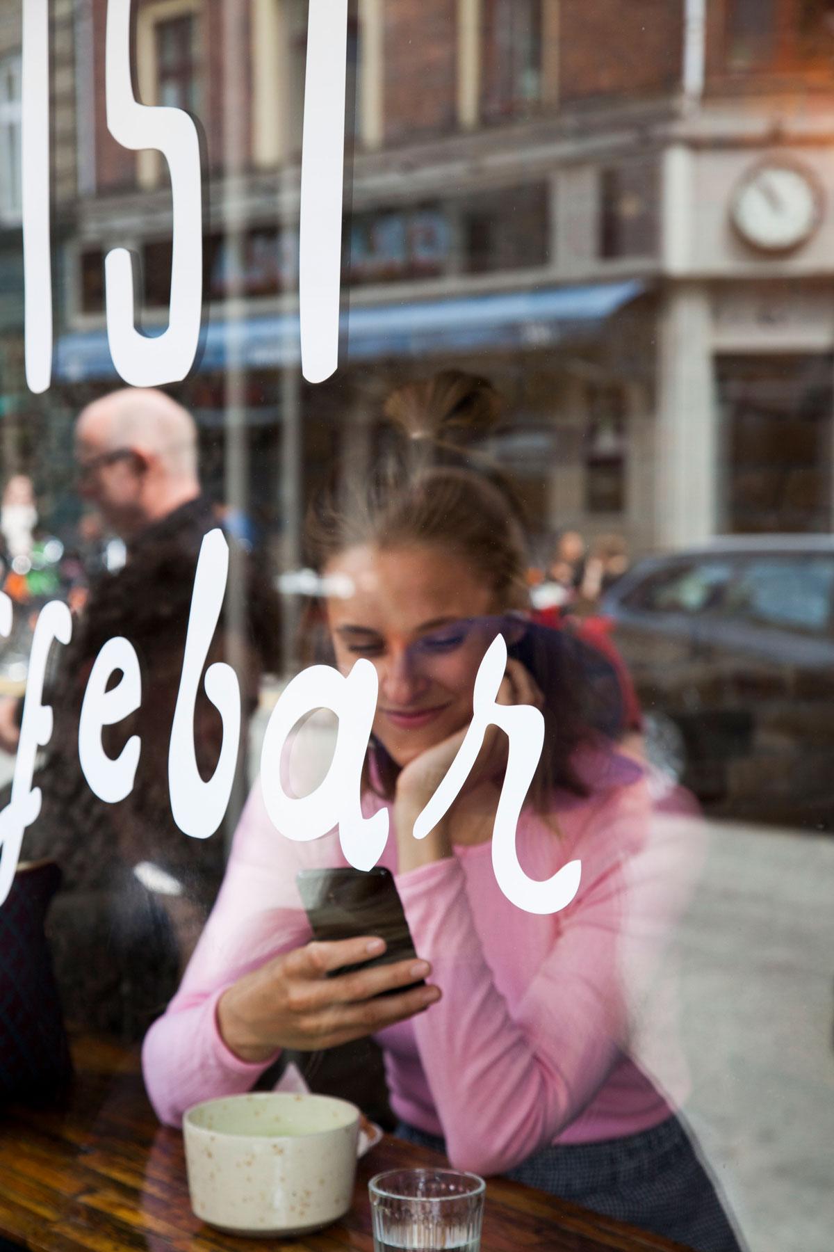 rockpaperdresses, cathrine widunok wichmand, Samsung, breaking habits, julie bjarnhoff