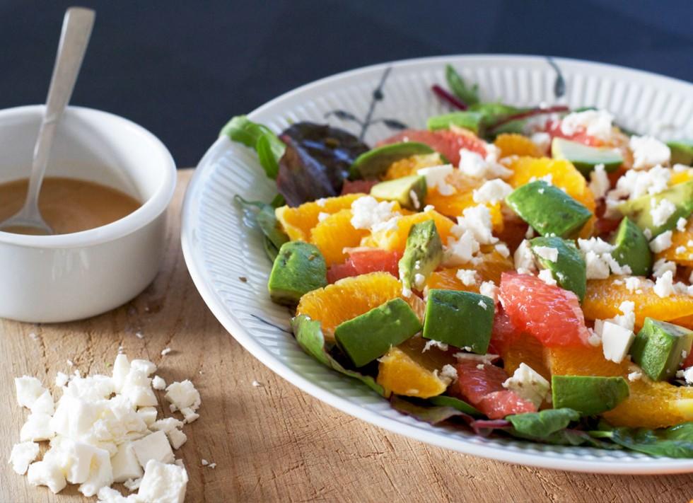 salat-med-avocado-grape-feta