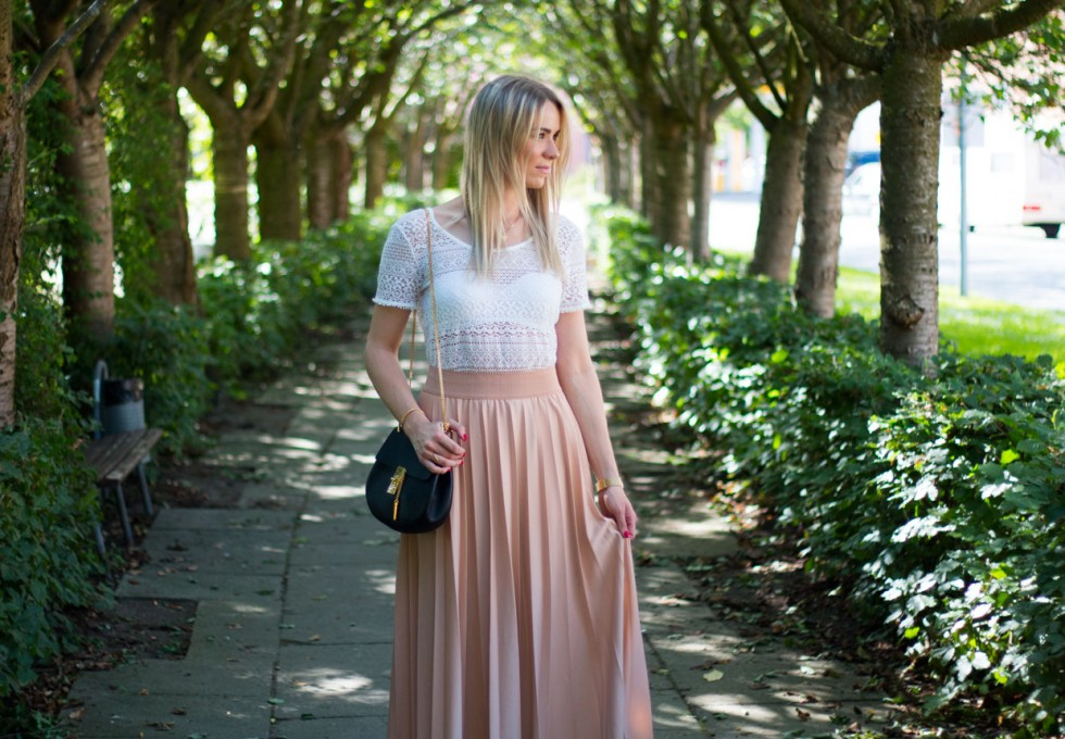 lace-top-pleated-skirt