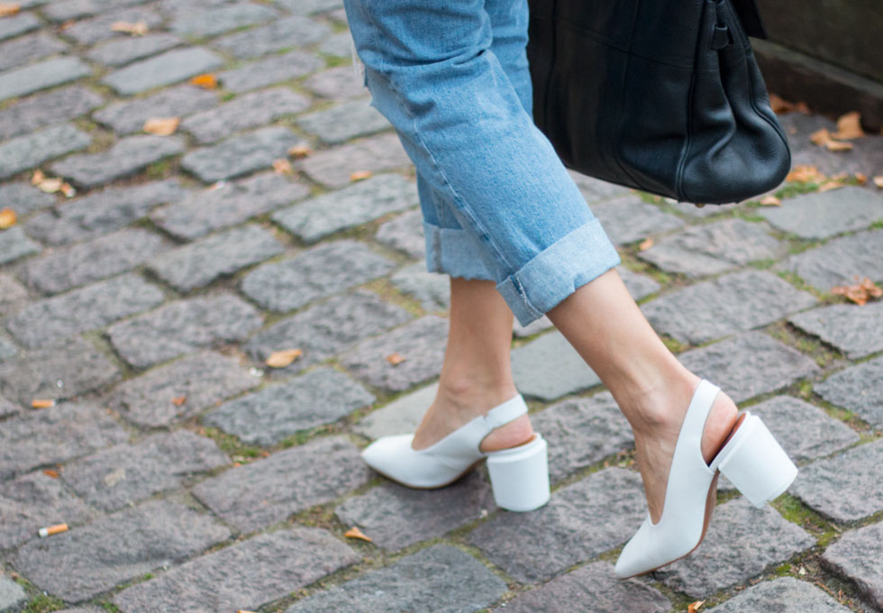cashmere-sweater-white-pumps