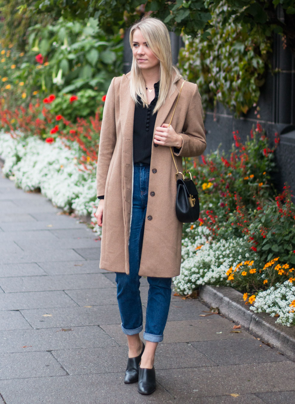 mom-jeans-coat