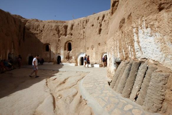 Tunesien_berber_bolig_hule_gaard