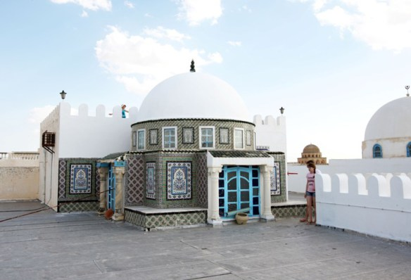 Tunesien_taeppehandler_tag_og_kuppel