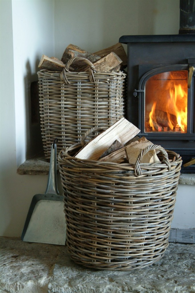 Baskets for firewood my home in the city barcelona - Cestas de mimbre ikea ...