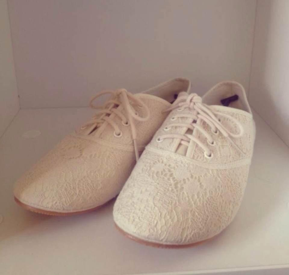 Lace Sneakers H&m |