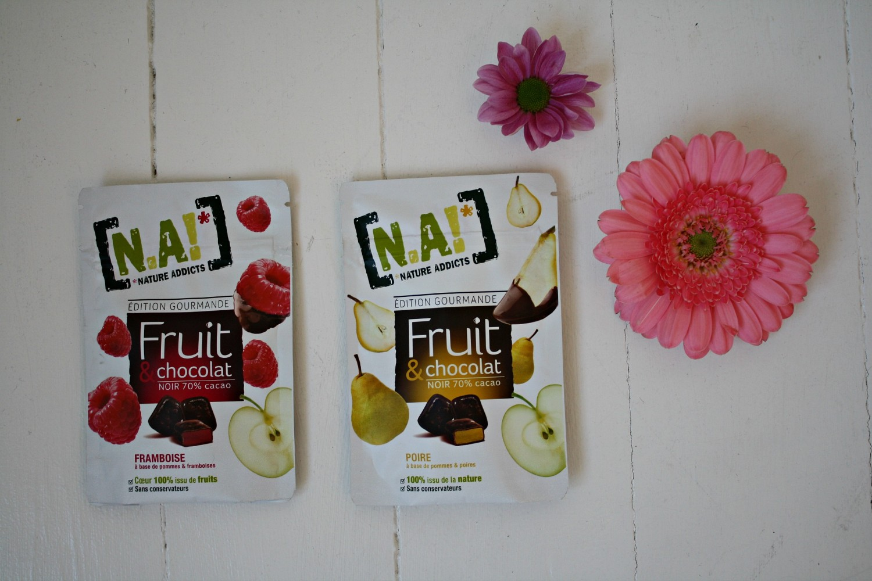 Sunde snacks, frugt, chokolade, hindbær, pærer