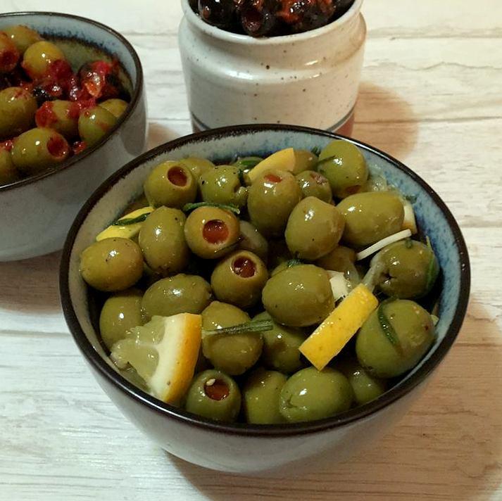 oliven-med-citron-og-rosmarin-mv