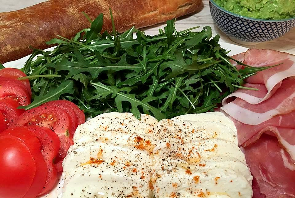 groent-til-aertepesto-paa-fad-mm