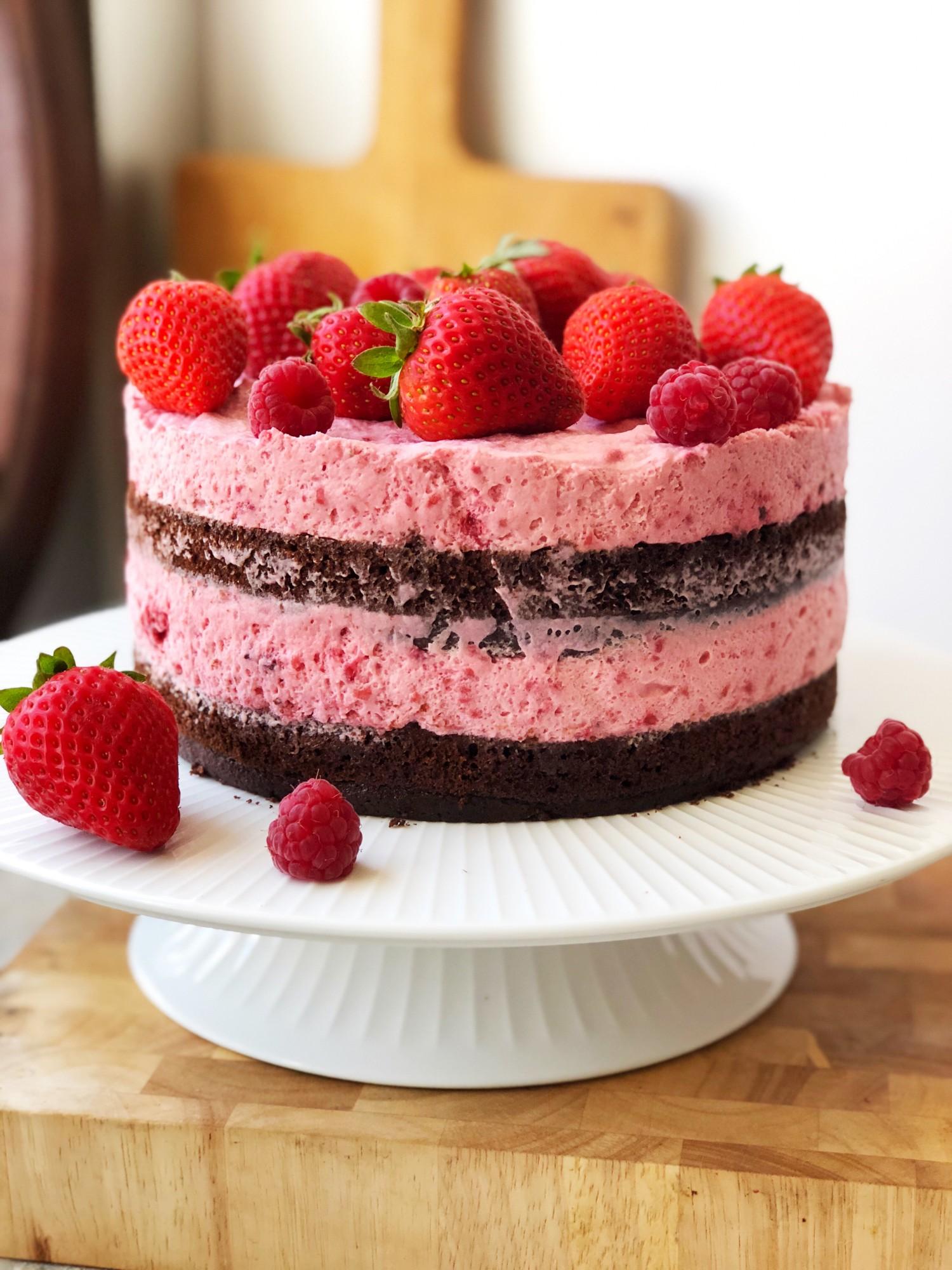 chokoladekage med hindbærmousse