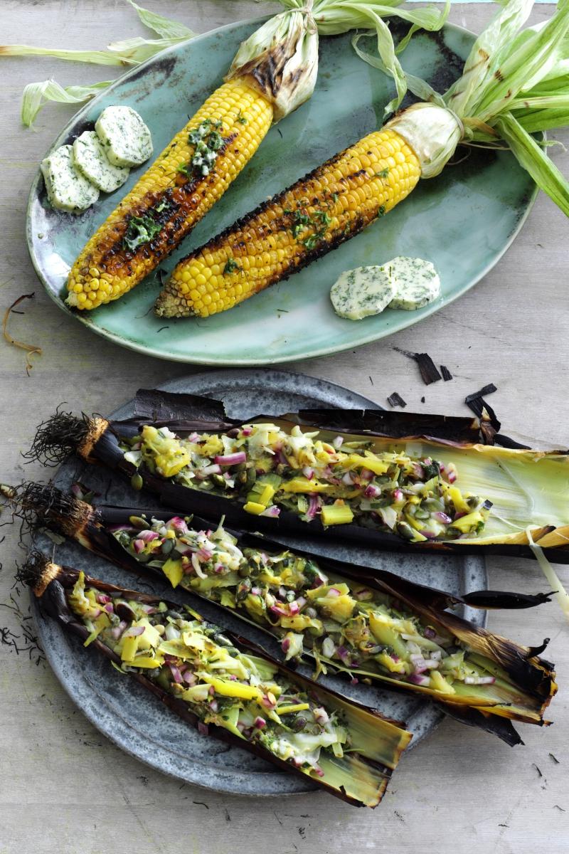 Ternet hvidløgssquash - Grillede grøntsagsspyd med halloumi - Grillede majs med hjemmelavet kryddersmør -Fyldte grillede porrer