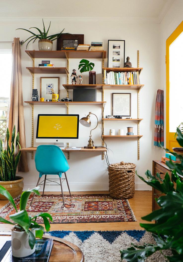 Small_Living_Room_Storage_01