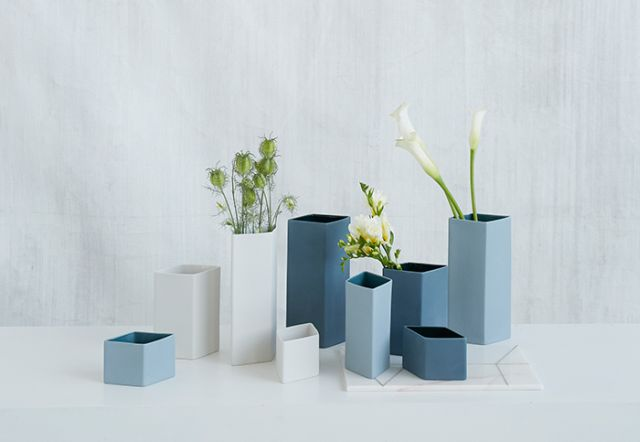 KrisitnaDamStudio_xsansserif-vases-flowers
