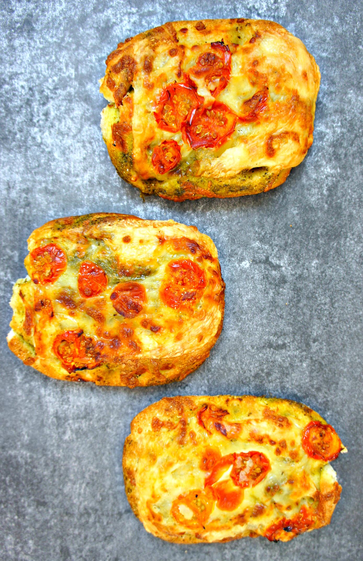 Glutenfrie pesto-foccaciabrød www.cathrineyoga.dk