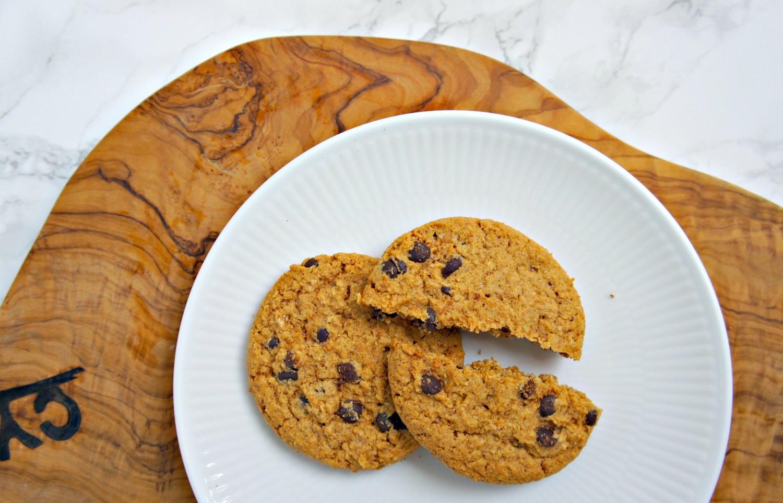 SUNDERE PEANUTBUTTER COOKIES - med mørk chokolade - Cathrineyoga.dk - 6 (1)