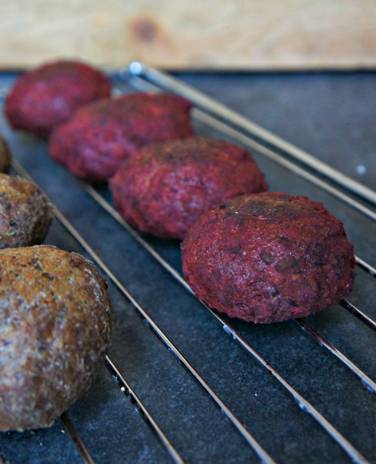 Glutenfrie broccoliboller og rødbedeboller - opskrift