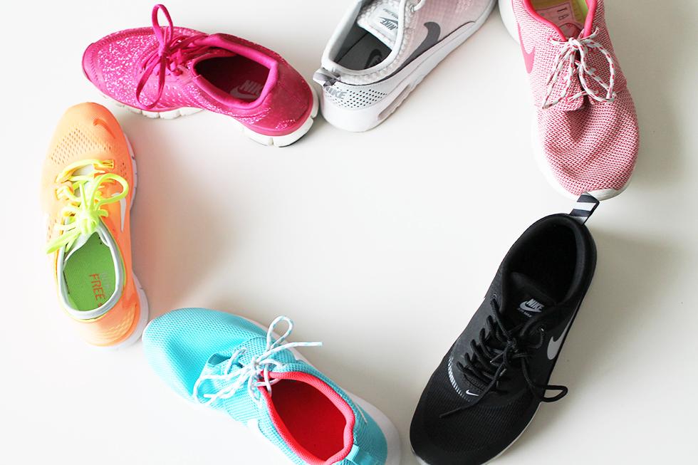 Nike sneakers Nikeholic hashtag sneakers afhængig Nike sælges trainers Adidas samling modeblogger blog Amy fashion mode sko får aldrig for mange sko farver