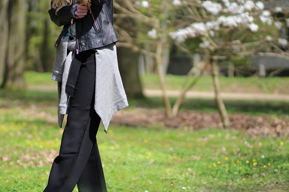 hvide blomster blomstertræ kirsebærtræ vila trousers Asos sorte wide bukser blomsterskjorte Zara flowers fødeselsdag weekend grillmad forår Soaked in Luxury