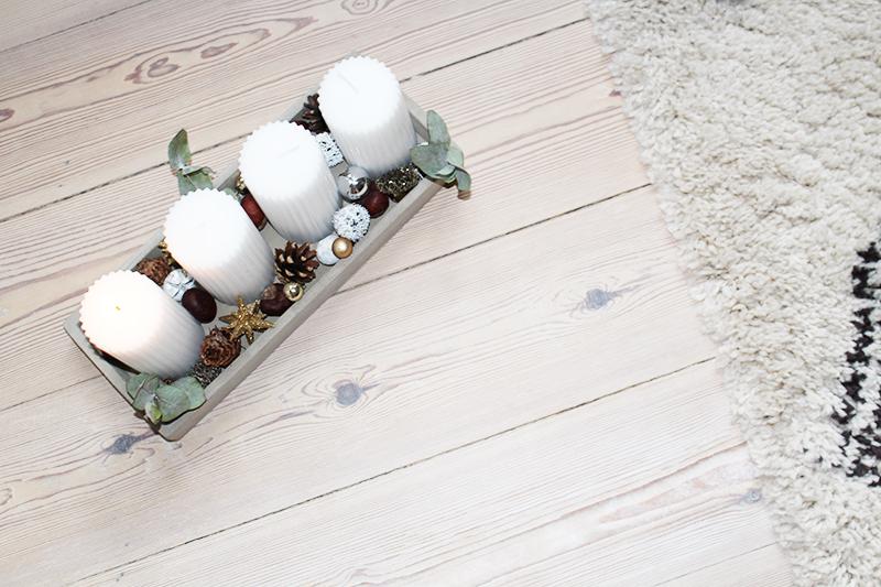DIY adventskrans Søstrene Grene betonfad Amy Dyrholm julekalender 2015 december første søndag i advent stearinlys Kiwi billig løsning blogger eucalyptus