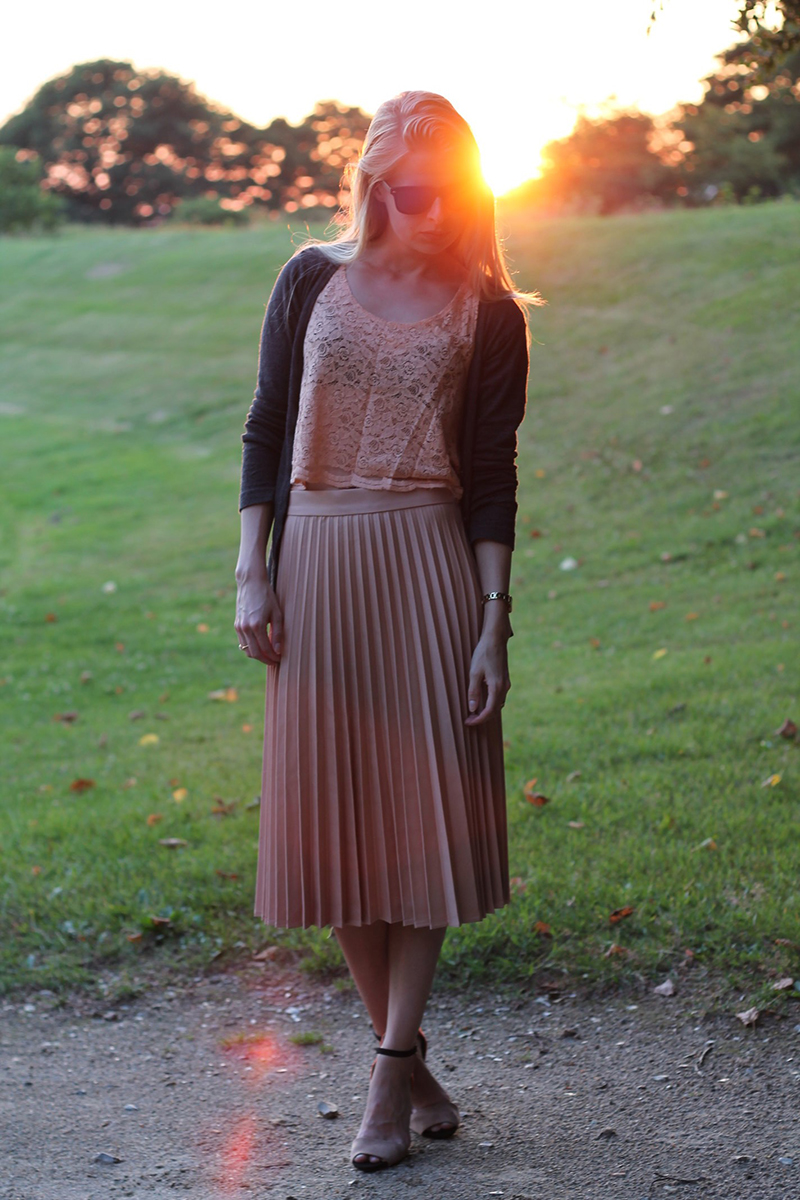 0c12f32e1eb7 outfits gennem de sidste to år Amy Dyrholm modeblogger blog outfit  outfitbilleder blogbilleder Gestuz sort kjole