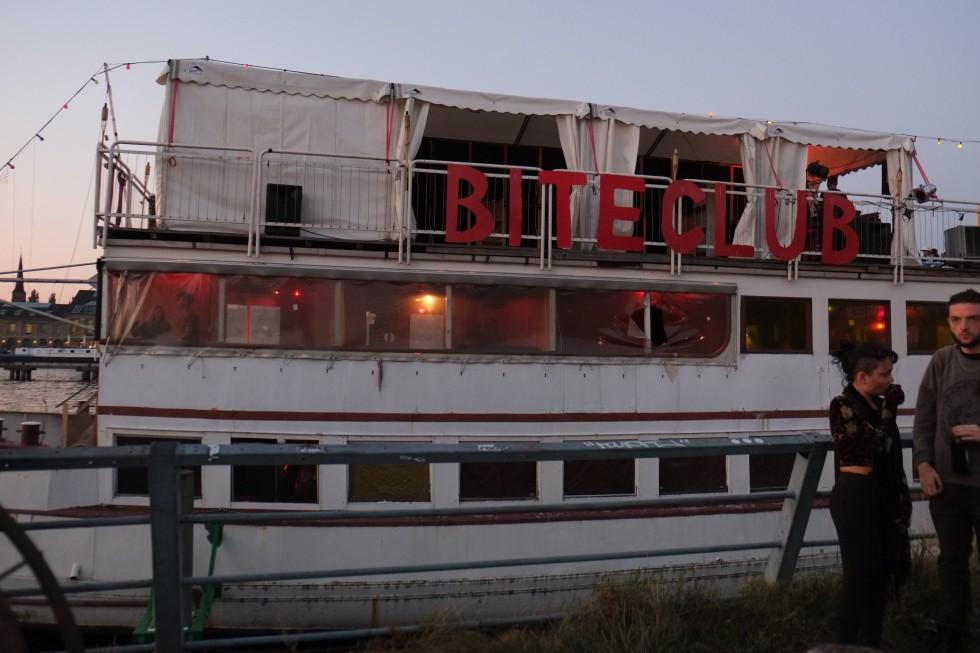 Hoppetosse an old ferry at Bite Club Berlin