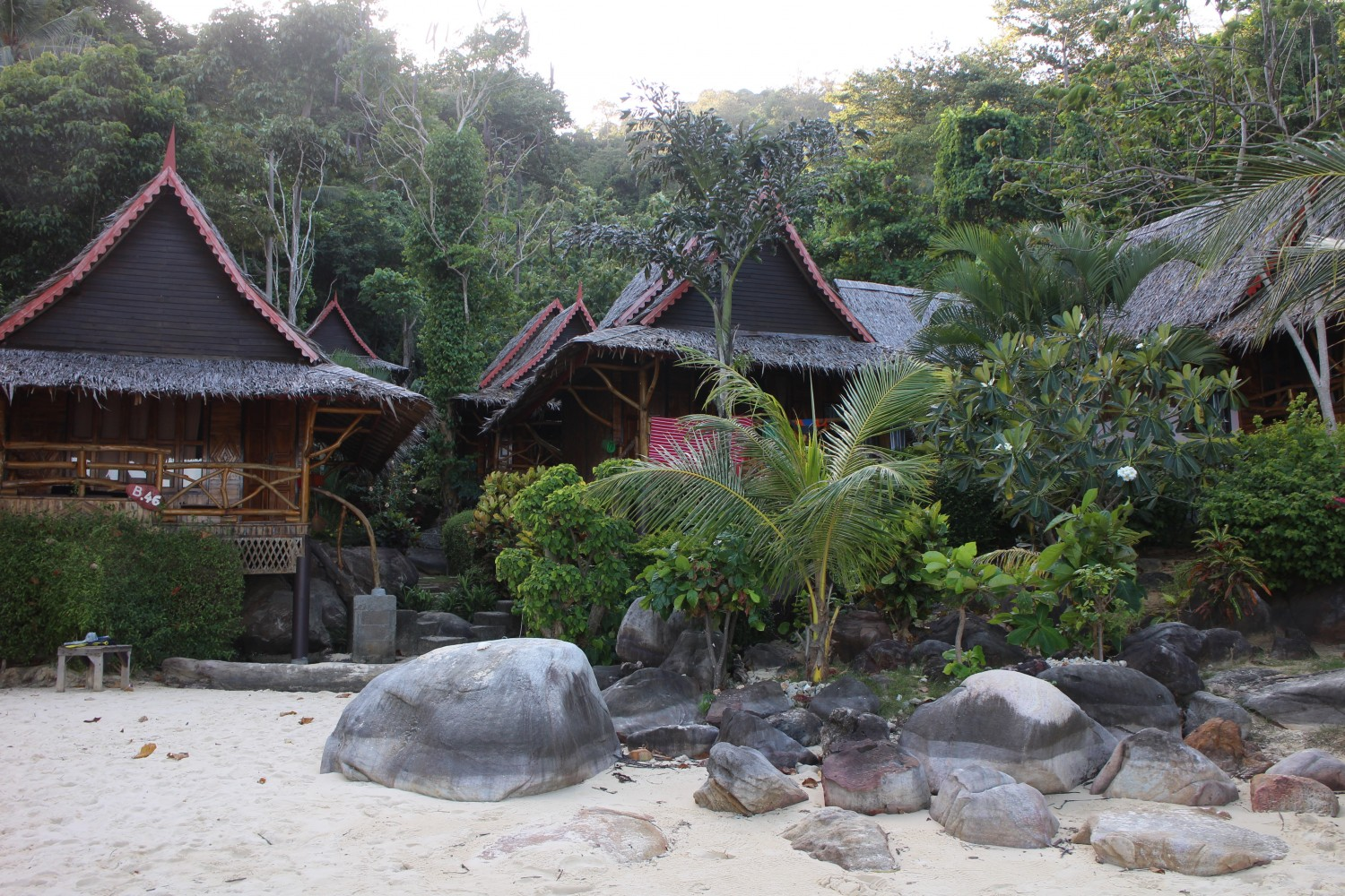 beach relax resort phi phi islands