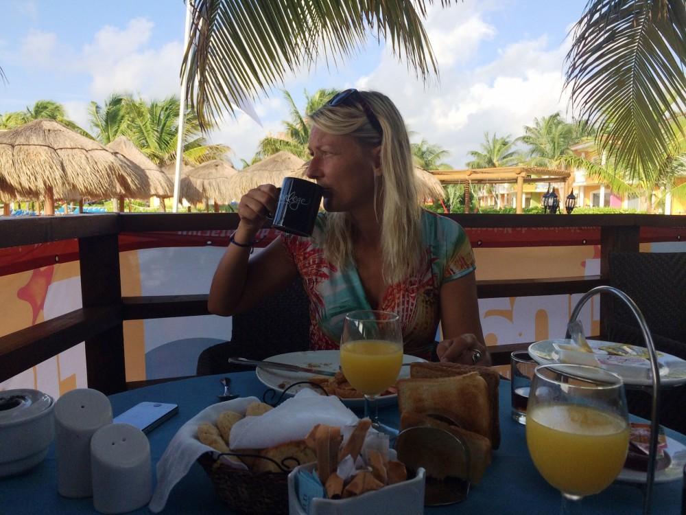 Morgenmad på Ocean Maya Royale