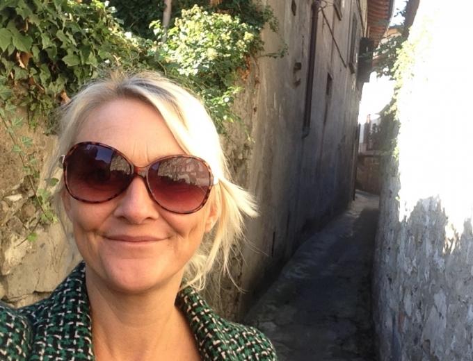 Selfie i Monte Isola af Karen Seneca