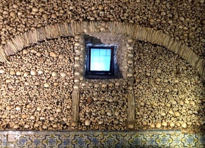 Capela dos Ossos i Ëvora. Foto: Karen Seneca
