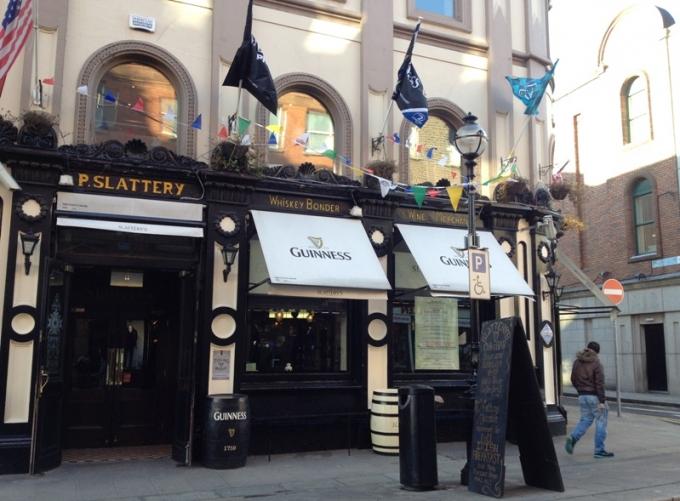 Slattery Pub i Dublin, Irland