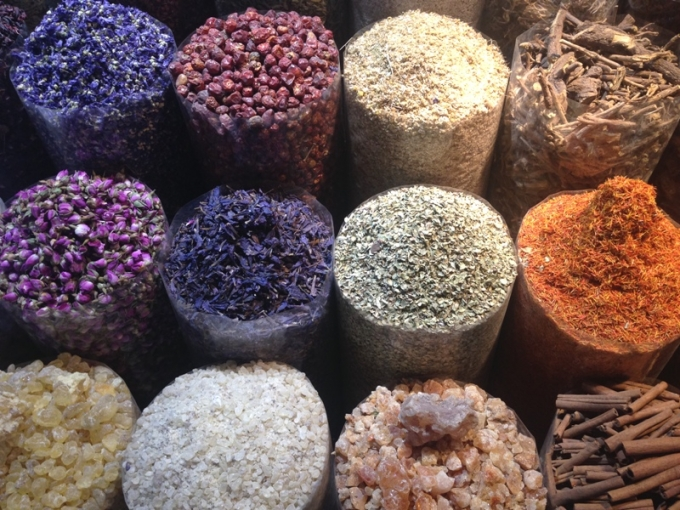 Krydderier i souken i Dubai.