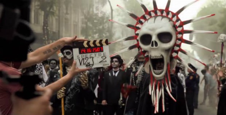 Spectre_opening_sequence_set_at_Day_of_the_Dead_festival_in_Mexico