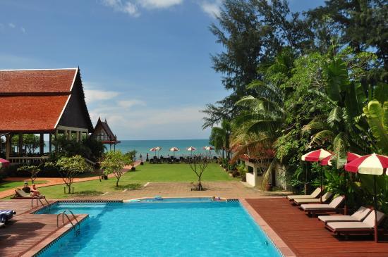 royal-lanta-resort-and