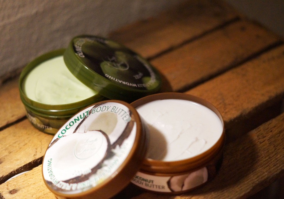 BODY BUTTER WITH COCONUT AND OLIVE