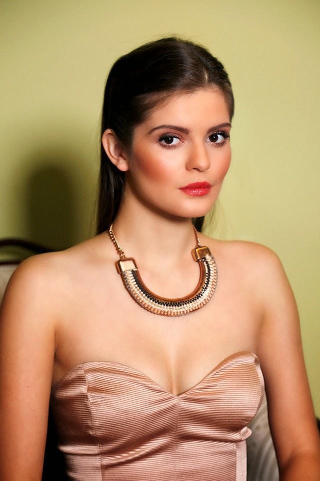 oversized_statement_necklace