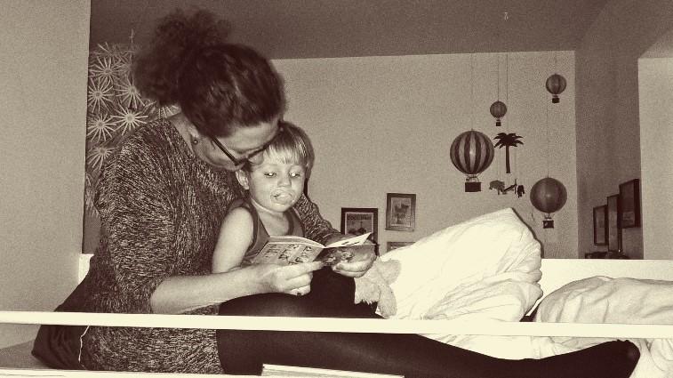 Overkøje godnat læsning af yndlings tante Caro