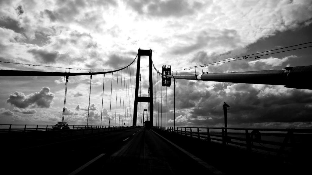 Storebæltsbroen så smuk og dramatisk