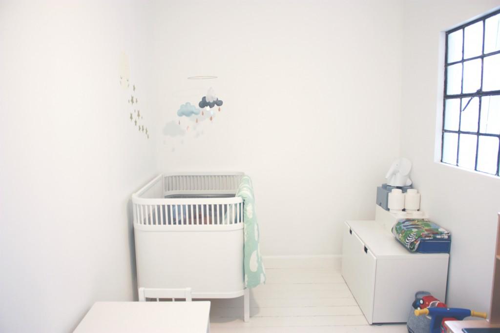 børneværelse kili seng skillevægsvindue