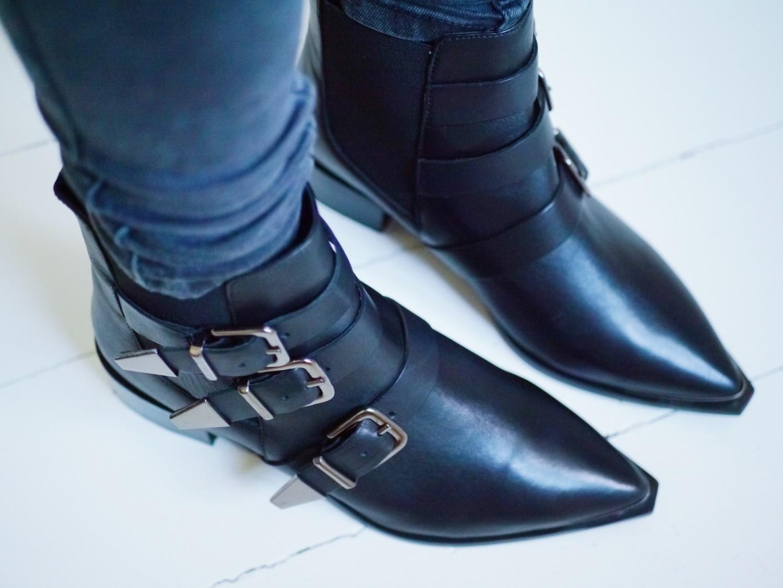 spidse sko med spænder