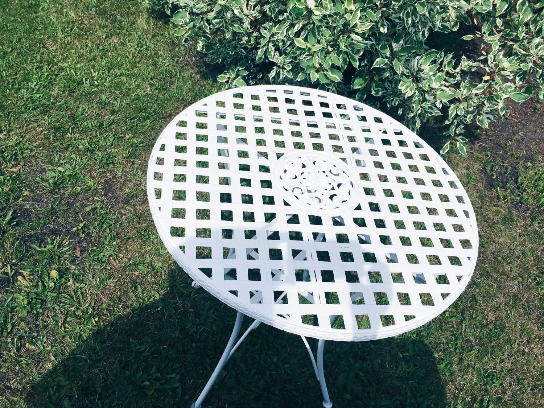 rusten bord maling