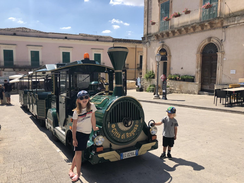 Tog rundt i Ragusa Sicilien